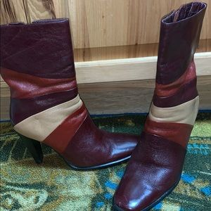 Multicolor leather boots 👢